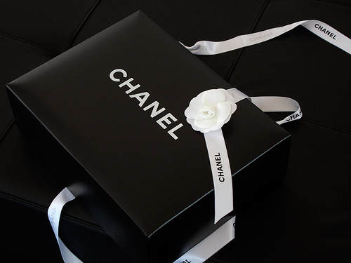 Những bao bì hộp ấn tượng của các thương hiệu nổi tiếng - hinh 1