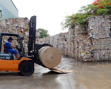 Trung Quốc đang gom sạch giấy cuộn từ Việt Nam